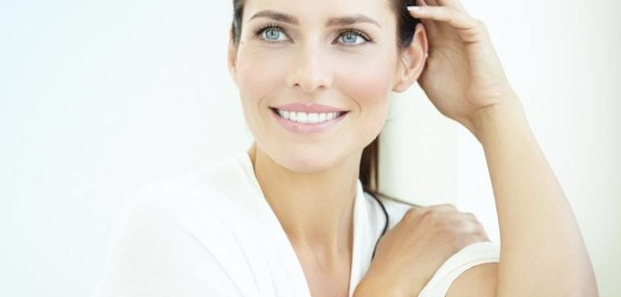 美しい歯の女性