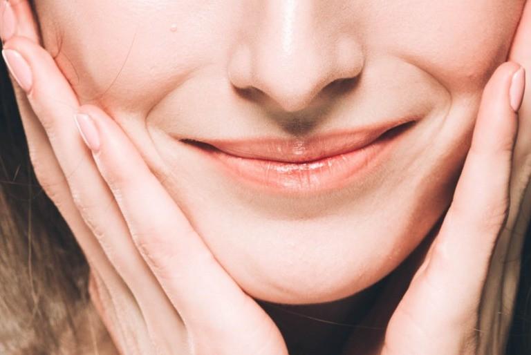 頬の筋肉を鍛える方法