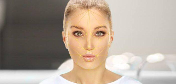 顔の歪みを整えるマッサージ!歪み改善でたるみすっきり小顔を目指す方法